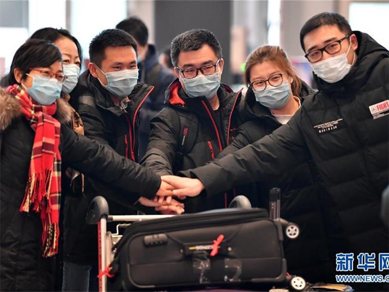 天津百余名医务工作者跨越3000里驰援 合力筑起生命防线