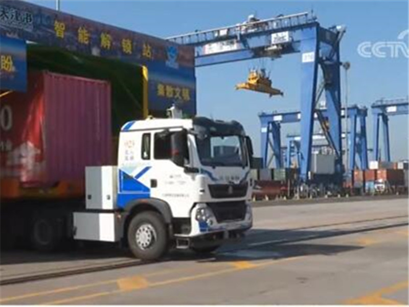 <b>传统港口实现智能化升级改造 天津港首次实现无人自动化全流程作业</b>